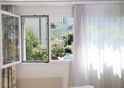 Spannrahmen im Fenster